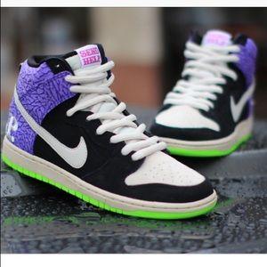 Nike dunk high send help 2 size 10
